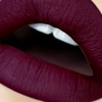 Tips to Wear Dark Lipstick Like a Professional